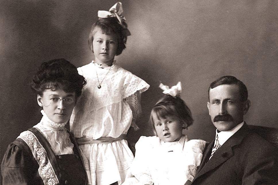 ashbridge-family-01