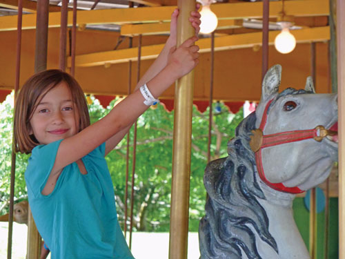 stella-at-centreville-carousel